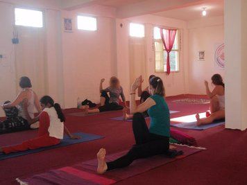 Sarvaguna Yoga Dhaama 300 Hr Yoga Teacher Training