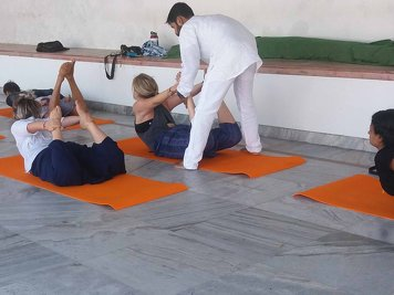 Rishikesh  Yog Sansthan 200 hrs Yoga Teacher Training