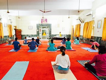 Shiva yoga Niketan Rishikesh India